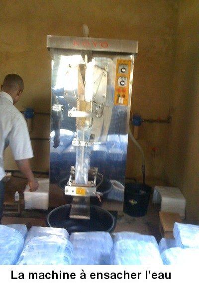 5-machine-ensacher-eau-width400-com